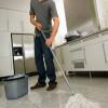 Очищення підлогової керамічної плитки